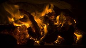 Bûche de Noël en feu